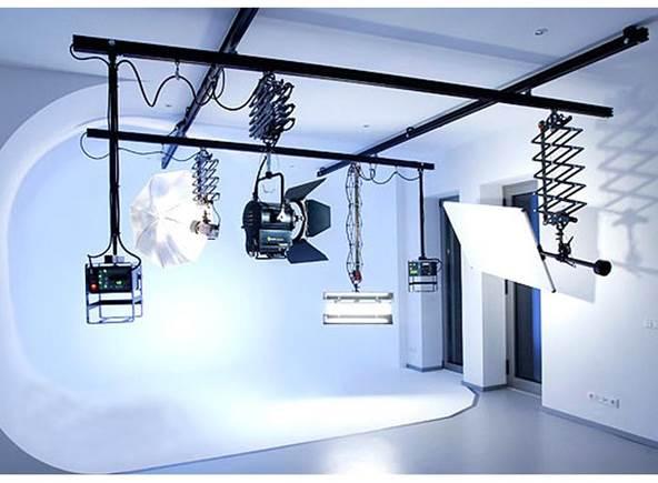 Studio_Ceiling_Rail_System_4_Pantographs